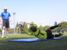 Use of mat for goalkeeper training